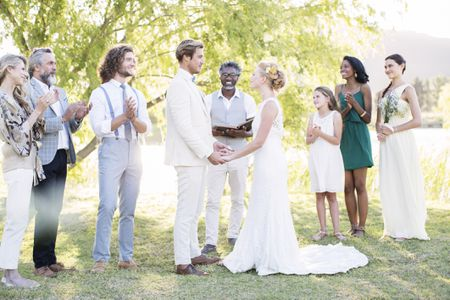 How to choose a wedding officiant?